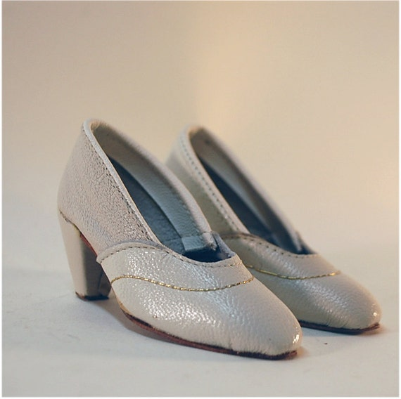 vintage tiny salesman sample shoes ladies bone white leather heels with gold thread