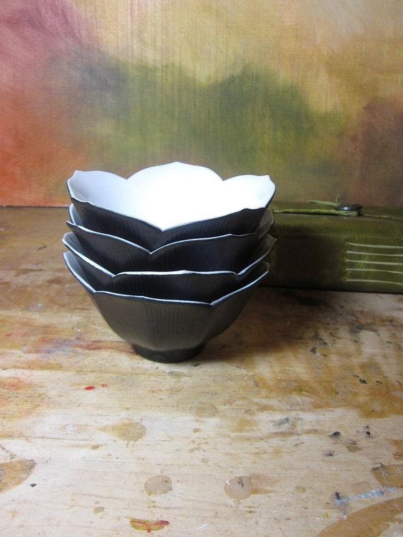 Lotus Bowls - Set of 4 Black and White