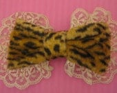 Kutie Leopard Bow With Creme Lace