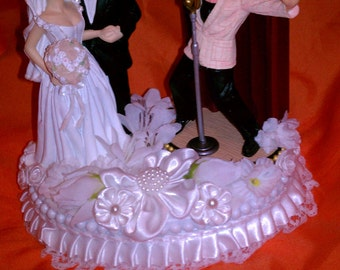 Elvis Wedding cake topper  IN Love and all Shook Up