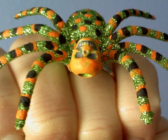 Large green glitter skull spider handpainted adjustable ring