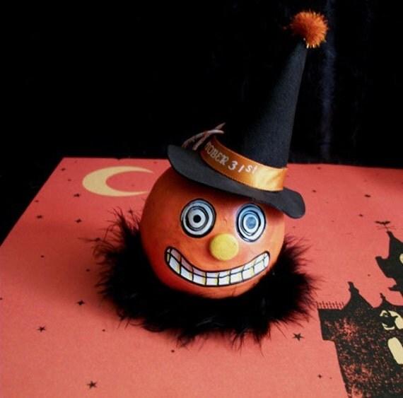 Pumpkin Witch Folk Art Halloween Ornament 3