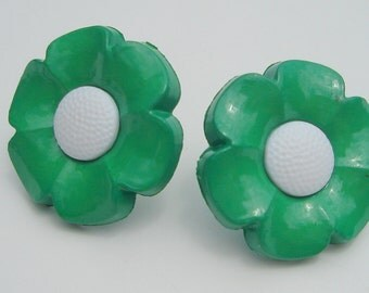 green petal with white center happy daisy flower upcycled button clip on earrings