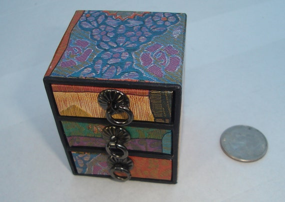 petite calico print three pull drawer  box for jewelry, beads, supplies, display, and shipping