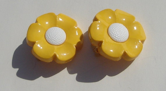 yellow petal with white center happy daisy flower upcycled button clip on earrings