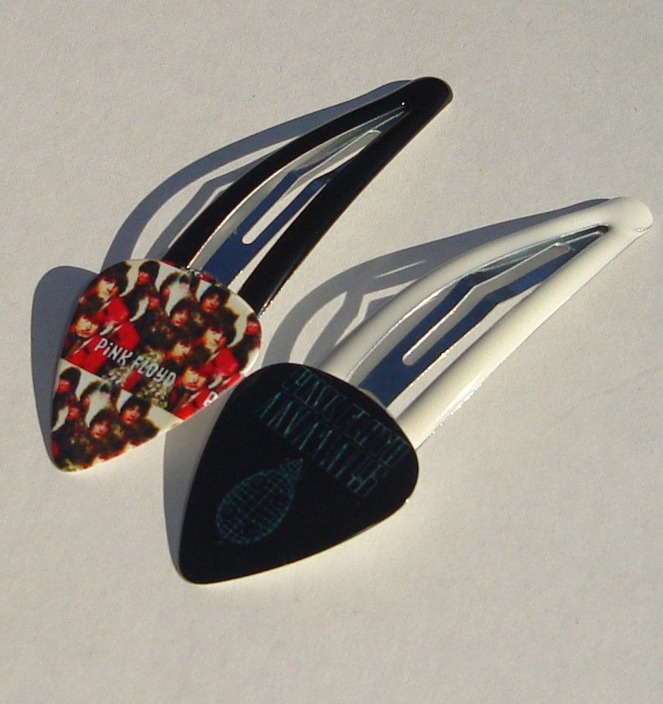 pink floyd guitar pick hair clips set of 2 on black and white. Black Bedroom Furniture Sets. Home Design Ideas