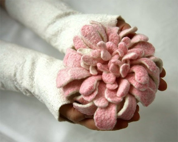 Flower Brooch - Hand felted Dahlia - White and Pink