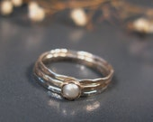 Freshwater pearl rings, sterling stack rings set of 3, hammered silver rings - DvoraSchleffer