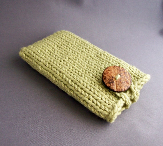 Sage Green Hand Knit Phone Case (iPhone 4/5/5C/6, Samsung S3/S4/s5/s6 models) with Natural Coconut Button