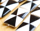 20% OFF SALE reduced from 12.75 to 10.20  Shell Square black and white