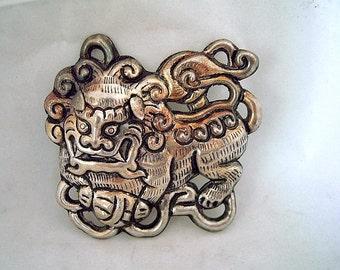 Sale Large Asian Foo Dog Centerpiece Pendant