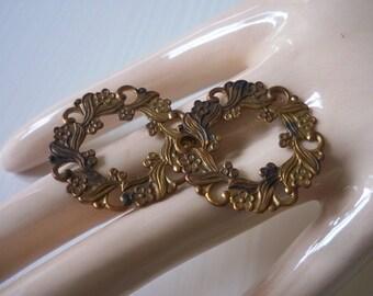 Vintage Floral Circle Brass Ox Stamping Pair