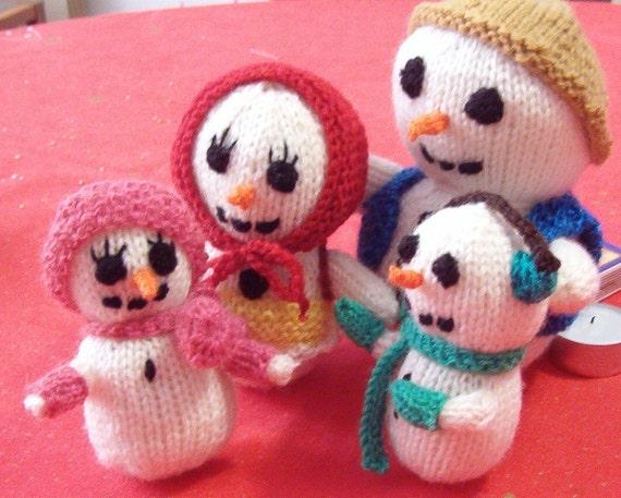 The Snowman Family PDF pattern knit