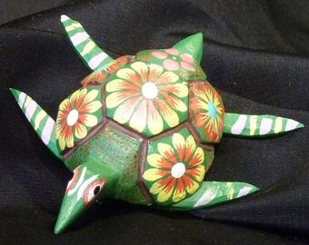 Pin mini Turtle Tortoise Oaxacan Woodcarvings from Fuentes Family - green with flowers
