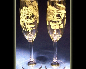Pair Of Day Of The Dead Skeleton Wedding Couple Champagne Flutes