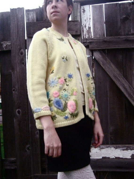 1950s Embroidered Flower Cardigan Sweater M