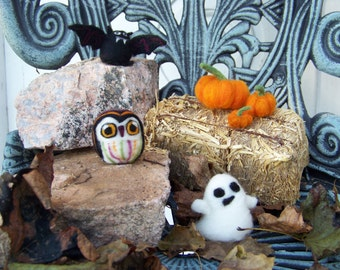 Needle Felted Halloween Set with Owl, Ghost, Pumpkins and Bat