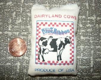 Miniature Dairyland Cows Blue Ribbon Stuffed Feed Bag Sack 1/12 Scale Dollhouse Barn