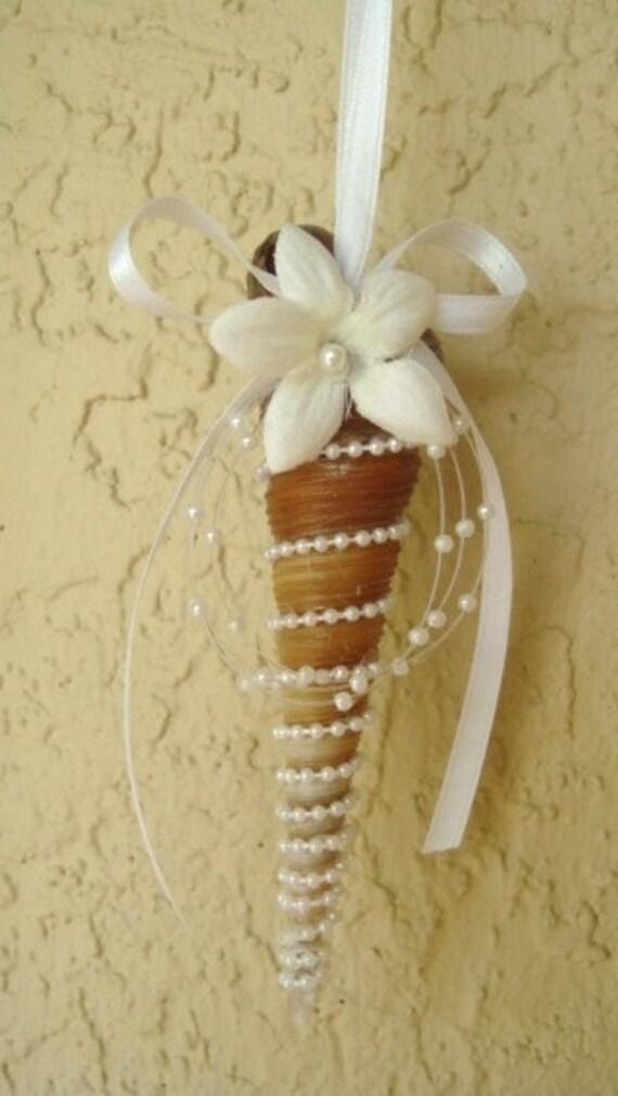 Shell Ornament, Bridal Shower Favor, Bridal Shower Party Favor, White, Wedding Favor, Party Favor, Ceiling Fan Pull, Drapery Tie-back, Auger