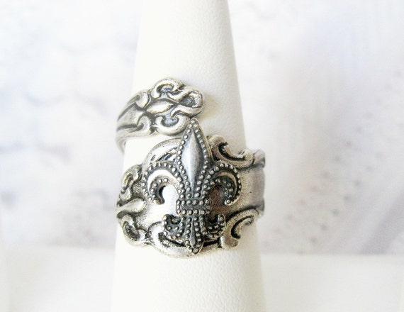 SPOON RING - The ORIGINAL Silver Fleur de Lis Spoon Ring - Jewelry by BirdzNbeez -  Wedding Birthday Bridesmaids Gift