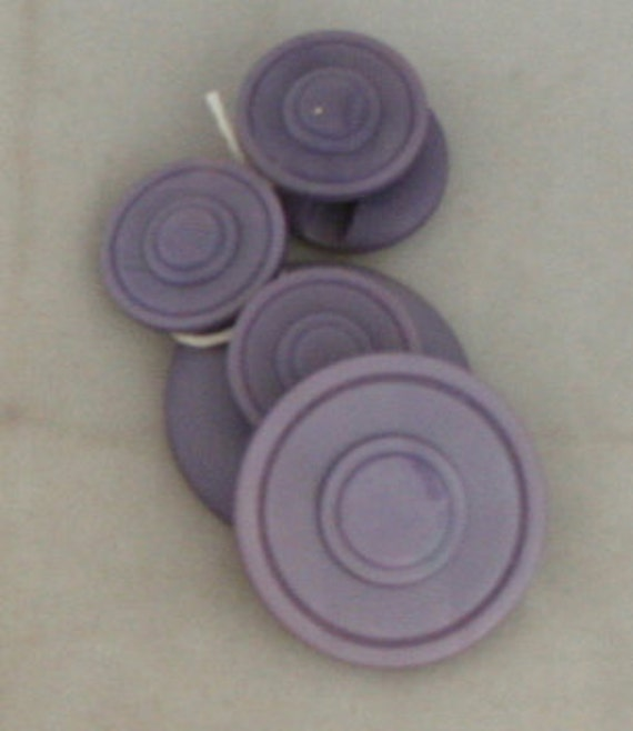 6 Lavendar Circle Molded Buttons VINTAGE BUTTON- 3/4, 1-1/8 Inch