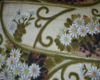 Vintage Kimono Silk - Daisies on a Trellis