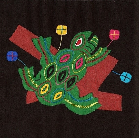 SALE - Primitive Tree Frog Mola - Hand Sewn Kuna Indian Applique