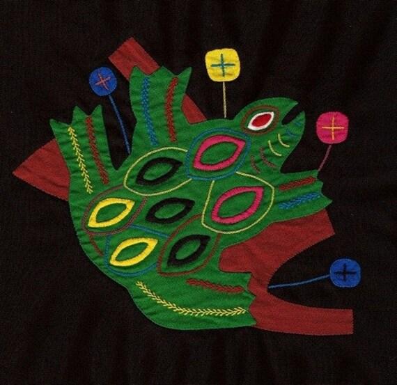 Mola Tree Frog - SALE - Superbly Hand Sewn Kuna Indian Applique