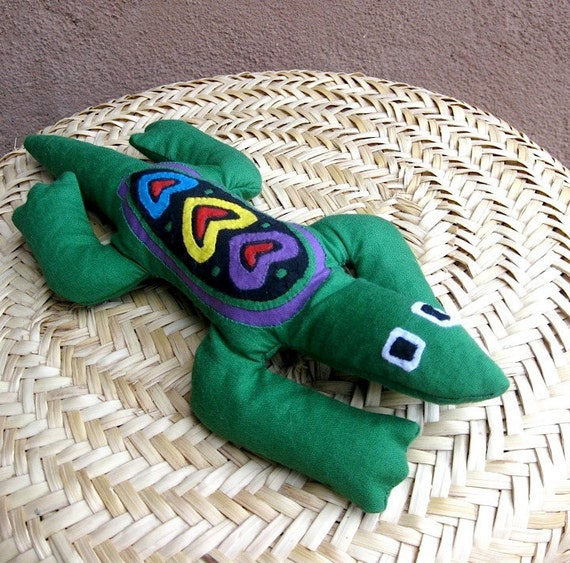 Lavender Filled Mola 'Love Lizard' HerbalAnimal - Hand Sewn Kuna Indian Mola Fabric Folk Art