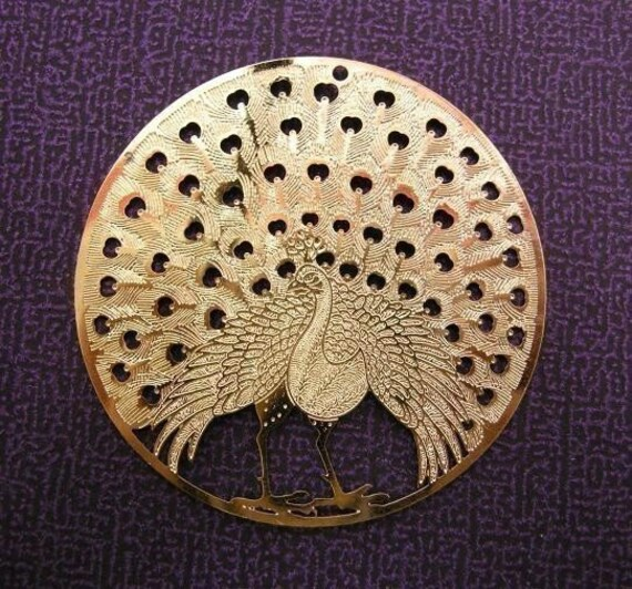 2pcs 47mm bright gold laser die cut round peacock pattern center piece/pendant/charm-113