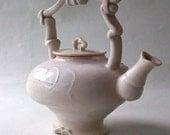 White Matte Teapot - lawatson