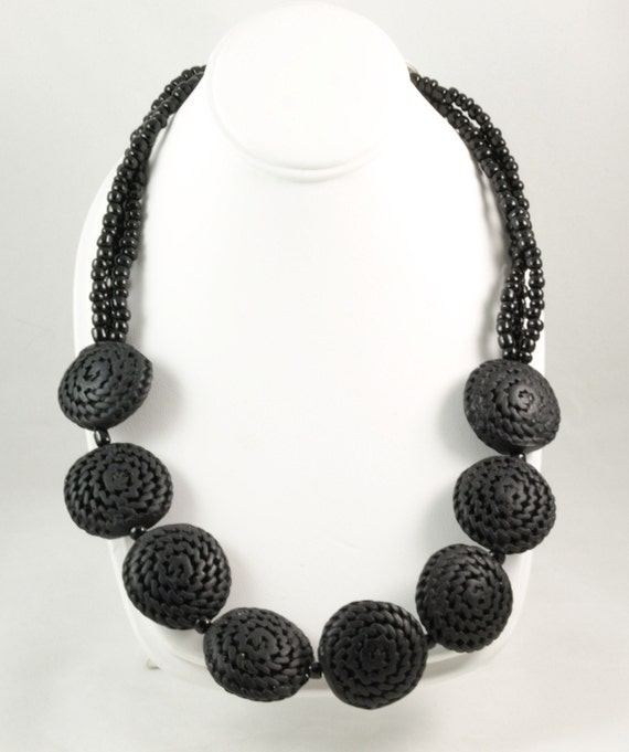 gifts for 20 Black beaded elegant glass necklace