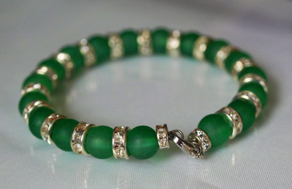 Emerald Green glass and white crystals memory wire bracelet sparkly