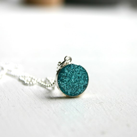 Blue glitter Necklace - Simple and colorful