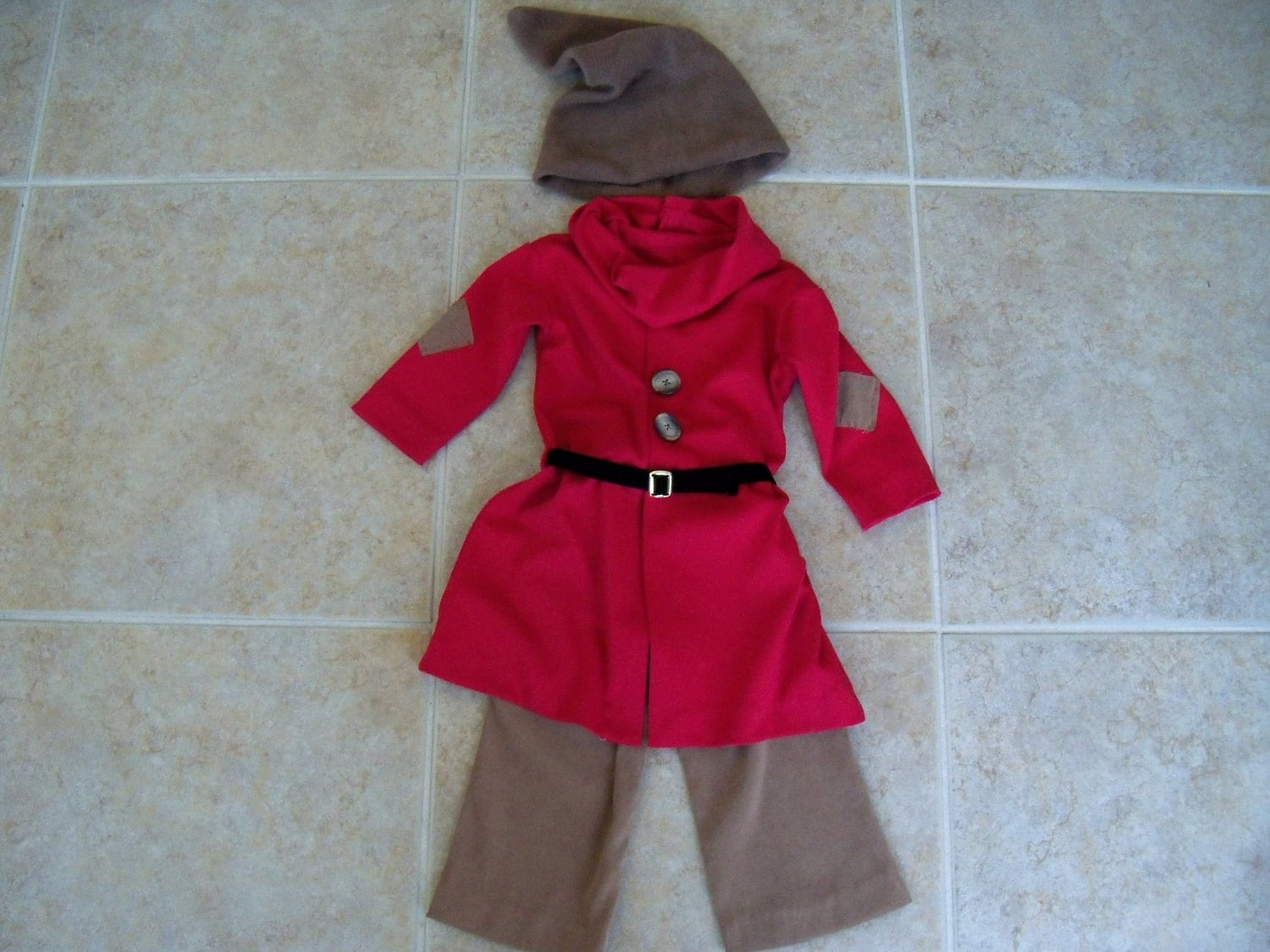 Dwarf costume toddler