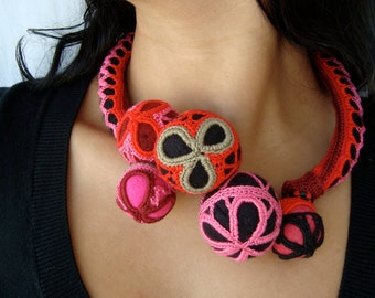 statement unique necklace pink red black