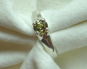 5MM round cut .61 ct kiwi green demantoid garnet sterling silver ring size 6.5