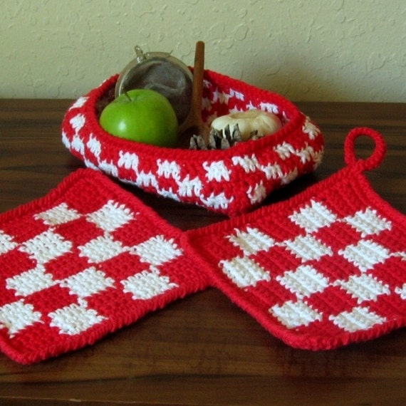 Red Gingham Potholder and Basket Set, Kitchen, Housewares, Crochet, Red, White, Checked, Cotton