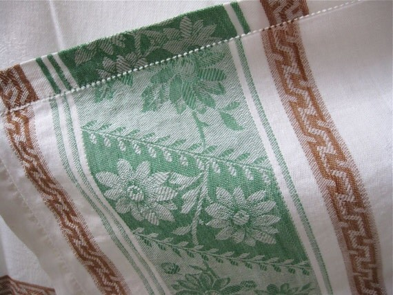 Vintage Tablecloth - Damask - Green and White