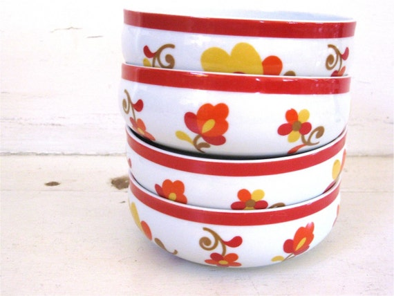 Vintage Bowls - Red and Yellow - set of 5