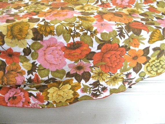 Vintage Round Tablecloth - Pink, Orange Flowers