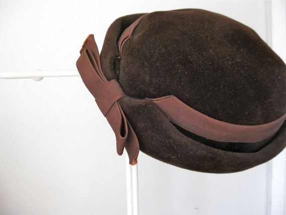 Vintage Hat - Chocolate Brown Velvet with Ribbon