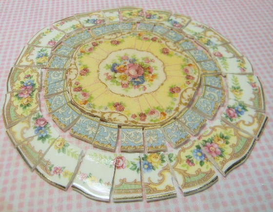 China Mosaic Tiles Shabby Chic Arrangement Broken Plates
