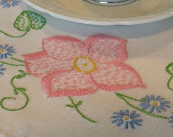 Pretty Pink and Blue Flowers Vintage Table Scarf Doily