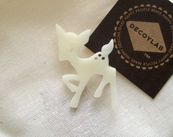 Fawn Pin animal brooch - Ivory Acrylic