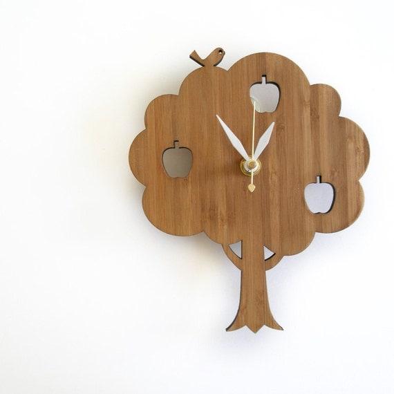 Small Apple Tree clock