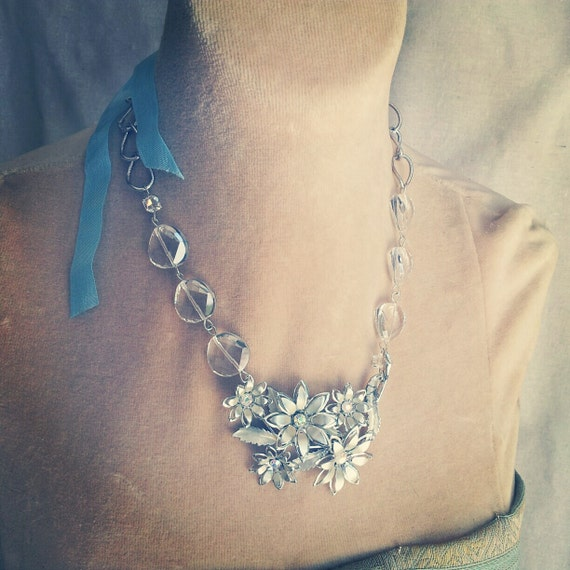 silvery goodness silver vintage floral brooch necklace