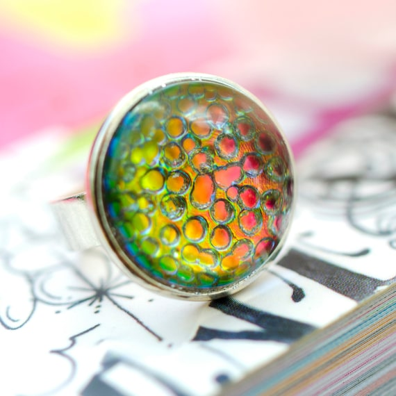 pink green iridescent glass bubble ring. petite adjustable size 5.