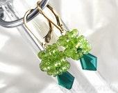 Green Onyx Peridot geometric earrings in 14K gold filled - Hedera - Free Worldwide Shipping - Made to Order