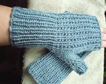 Country Blue ----- fingerless gloves --- medium